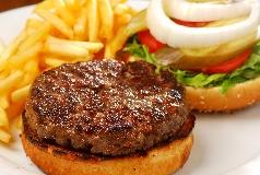 המבורגר אנגוס. צילום: רן בירן