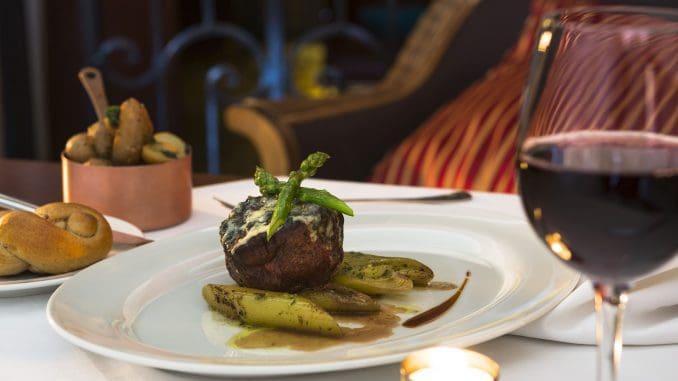 מסעדת ערבסק במלון אמריקן קולוני