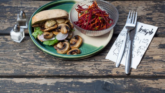 סיורי אוכל עצמאיים בירושלים עם אפליקציית bitemojo