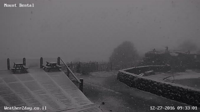 פתיתי שלג ראשונים בהר בנטל 27.12.16