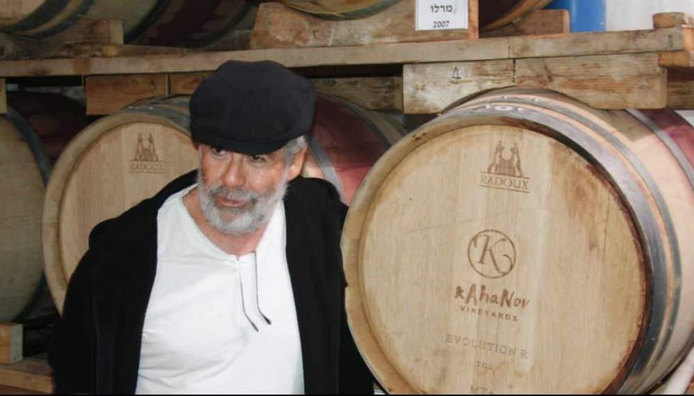 בפגישה עם אבי כהנוב מובטחת לכם חוויה טראומטית, ולכן צריך לשתות יין כל הזמן