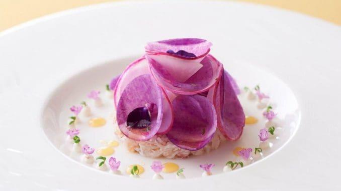 תפריט מיוחד עם 6 מנות המשלבות בין המטבח הצרפתי קלאסי למטבח העילי והכשר