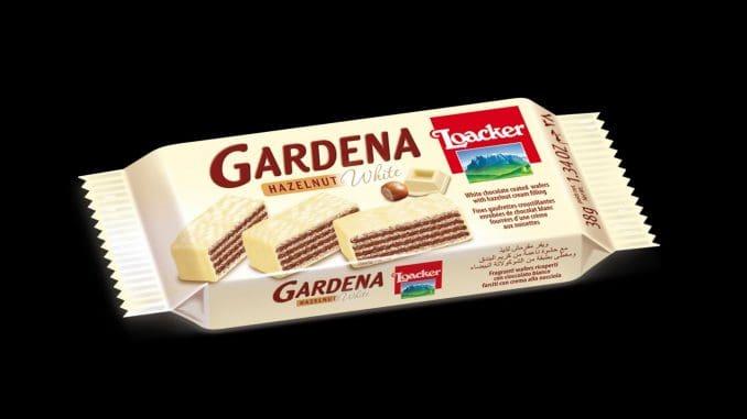 וופל אישי במילוי קרם אגוזי לוז ובציפוי שוקולד לבן