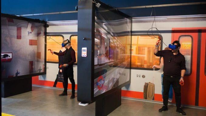 המתחמים מעוצבים כתחנת רכבת תחתית