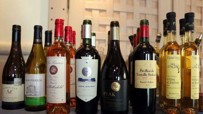מאות מותגי יין מיקבים שמשתפים פעולה עם משגיחי הכשרות של רויאל וצור