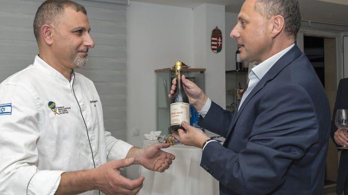 שגריר הונגריה אנדור נאג'י עם שף אלון גונן
