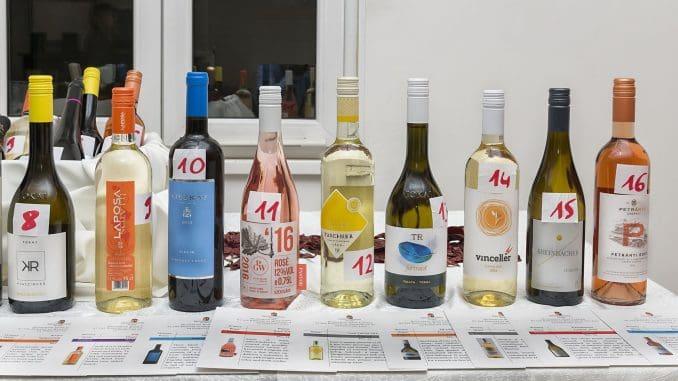 רוב היינות היו סבירים, חלקם טובים; יינות שחובב היין הישראלי יכול להתחבר אליהם בלי כל בעיה