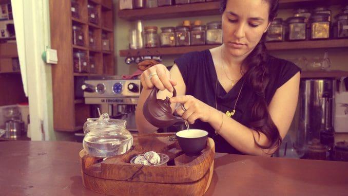 סדנאות של תה ואלכוהול