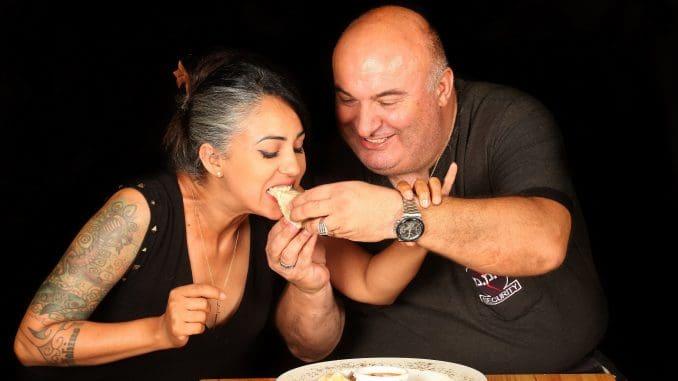 ננוצ'קה - תפריט זוגי מעורר תשוקה שאוכלים בידיים