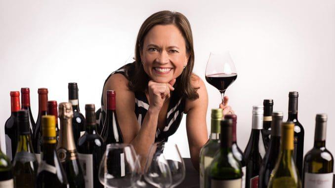 לאורך השנה טועמת הסומליירית הבכירה מאות יינות מאזורים שונים בעולם כדי לקבוע את תפריט היין הסופי של דלתא