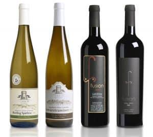 תהליך של טעימות ממאות חביות יין ועשרות סוגי תירוש