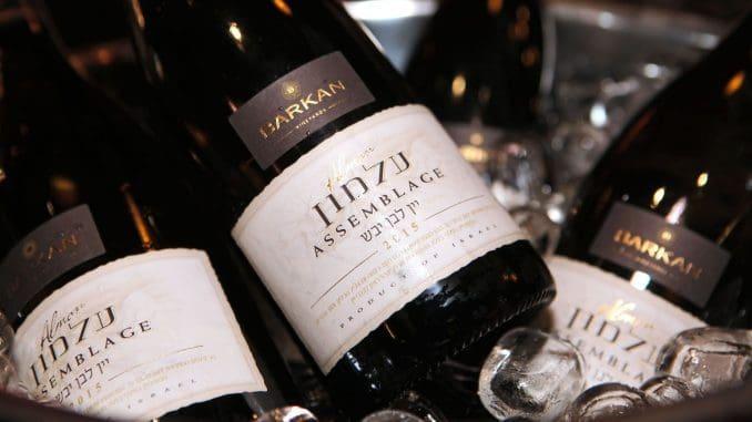 עלמון של ברקן - מצונן היטב הוא יין לבן קליל ונעים.
