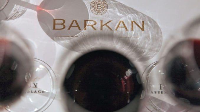 לדברי הייננים, ניתן לדבר על טרואר מקומי ברור, שיוצר יין מצוין. הצפית עשוי מזני מרסלאן, קלדוק, פינוטאז' ומלבק