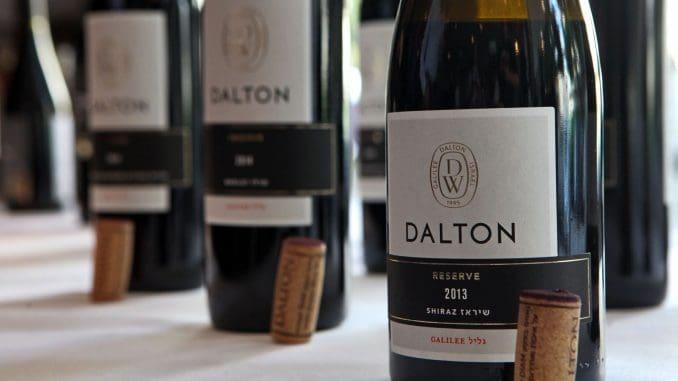 יין רך בעל קו עוצמתי ברור וטיפוסי לשיראז גלילי