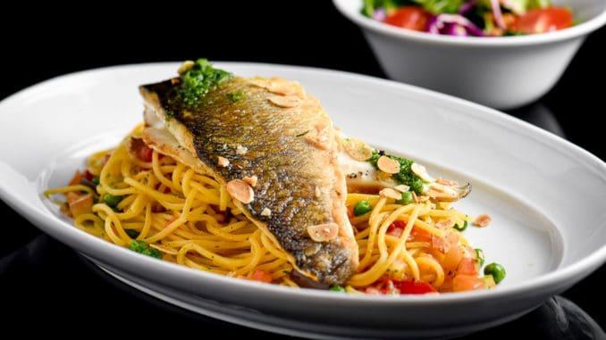 דג לברק מתאים לכל שיטות הבישול, הטיגון והצלייה, בשרו רך ועדין והוא עשיר באומגה 3 ובאומגה 6