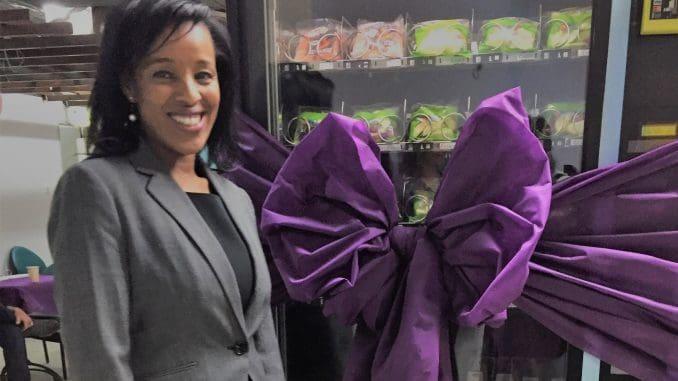 מהרטה ברוך רון היא יוזמת התכנית שנועדה לעודד את ילדי העיר לאכול פירות וירקות במוסדות החינוך ובקהילה