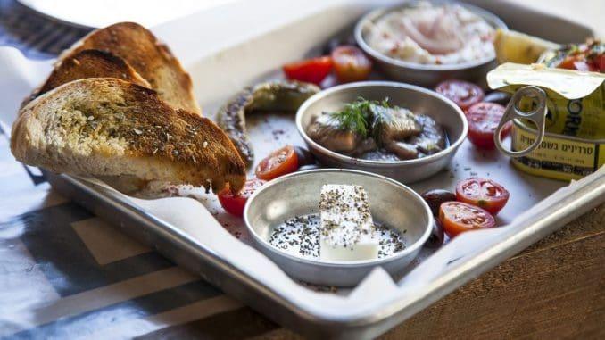 בסך הכל מציעה ספרטה חוויה יוונית טובה לקהל שמחפש להכיר את המטבח היווני