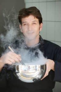אחד המומחים הגדולים בישראל לבישול מולקולרי וכימיה של המטבח