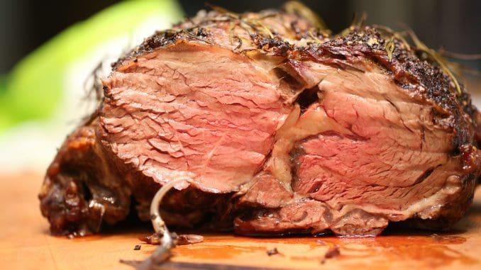 בנקודות המכירה נמכרים מוצרי הבשר של דרום אמריקה במחירים זהים לאלה בחנות המפעל הממוקמת בבית דגן