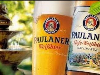 Paulaner Hefe Weissbier Naturtrub היא בירת הדגל של המבשלה