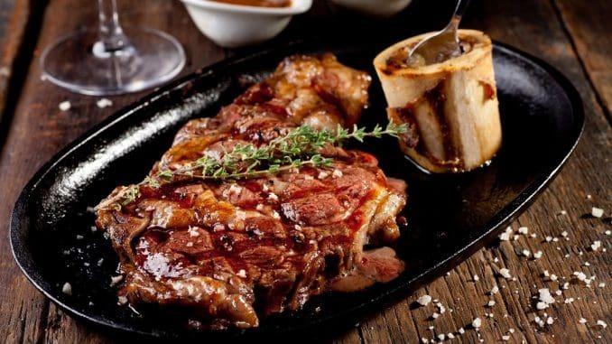 מסעדת הבוקרים מתמחה בבשרים מעדרים הגדלים ברמת הגולן