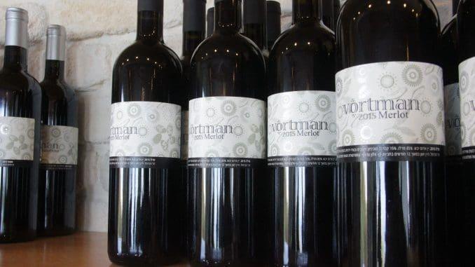 יין שצריך להיות פתוח לפחות שעתיים לפני השתייה