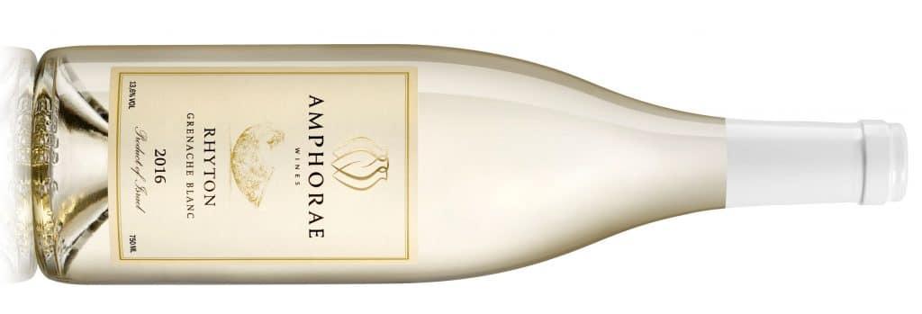 היין תסס במכלי נירוסטה ולאחר מכן עבר תהליך Sur lie קצר