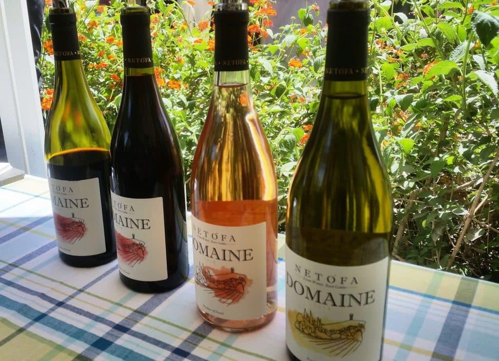 את יינותיו מייצר יקב נטופה ביקב אור גנוז ביישוב בעל אותו שם