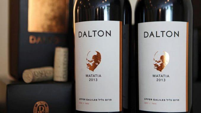 היין מאוזן, משיי, חושני ומרגש. אפשר היה לשתות אותו מיד עם המזיגה לכוס