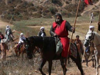 בשחזור ההיסטורי ישתתפו כ-60 איש עם ציוד כפי שהיה במקור: שריונים, קסדות, חרבות, רומחים וקשתות, חלקם רכובים על סוסים, וחלקם נעים רגלית