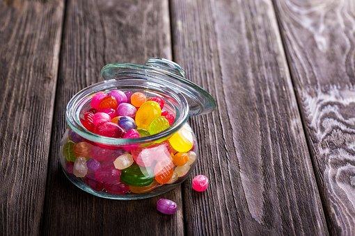 ליצור הרגלי קניית וצריכת ממתקים וחטיפים