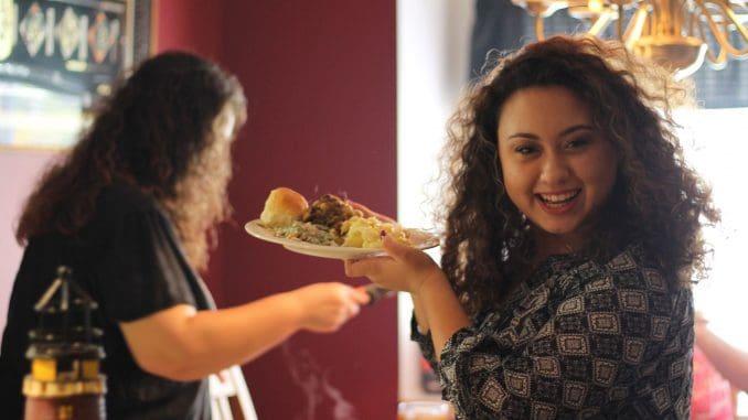 להגדיל את מספר הארוחות המשפחתיות, לבשל יחד, לאכול בנחת
