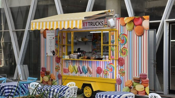 Sweet truck -  האוכל המתוק עם קינוחים על גלגלים: קוקילידה בהרכבה  עצמית, סנדביצ'י גלידה,   ועוד הפתעות מתוקות