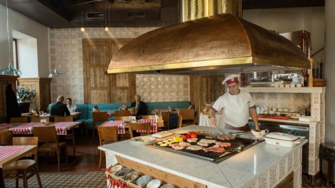 ארוחה ב- City Grill בבוקרשט - מסעדה נהדרת