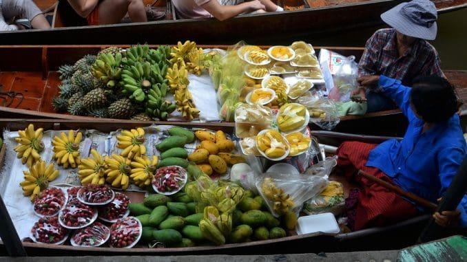 תאילנדים צורכים כמות פירות גדולה באופן משמעותי מזו של האדם המערבי