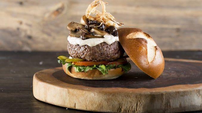 מסיבת התה של אליס – אחד מתוך עשרות כריכי בשר והמבורגרים המוצעים במסעדות, בתי קפה ורשתות המבורגרים ברחבי הארץ