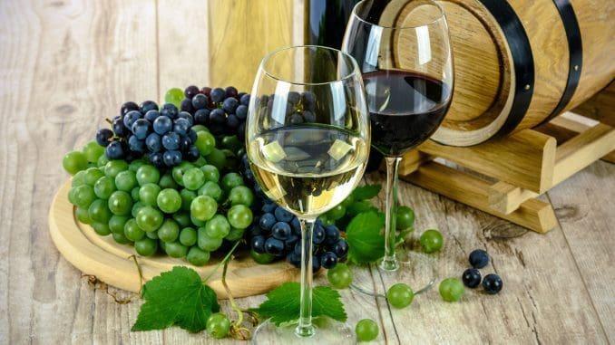 אוטוטו כל הסופרמרקטים וחנויות היין יהיו מוצפים ביינות לחג, רובם במבצעים ובמחירי הנחה