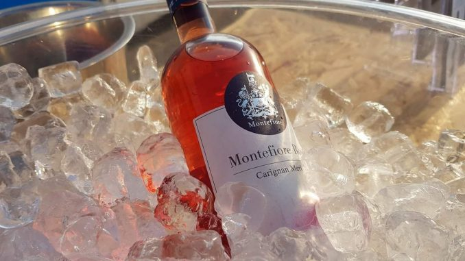 יקב מונטיפיורי - בלנד שרדונה וסמיון 2016: יין קייצי. טעמים נקיים, מאוזן ודורש אוכל. יופי של יין