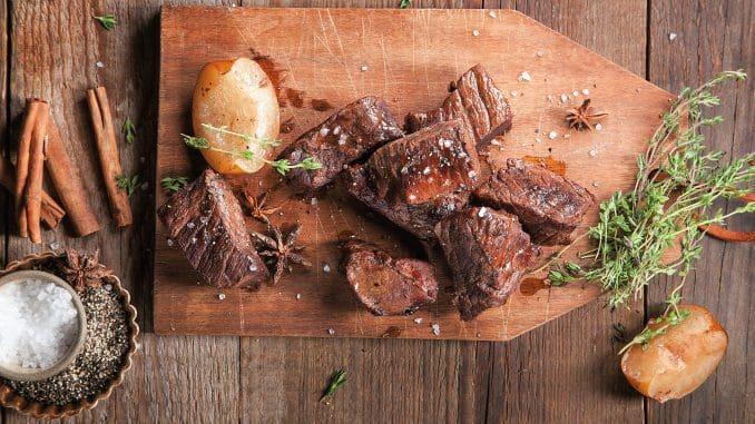 לא כל בשר טרי בקצביה הוא באמת בשר טרי, ויש לשאול את הקצב