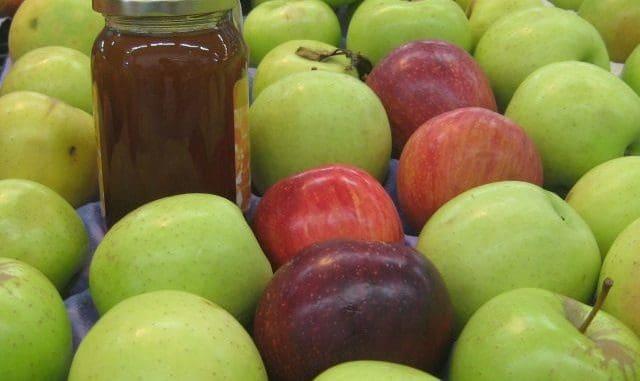 בתפוח ירוק ותפוח אדום יש אותה כמות קלוריות, למרות ההבדל בטעם