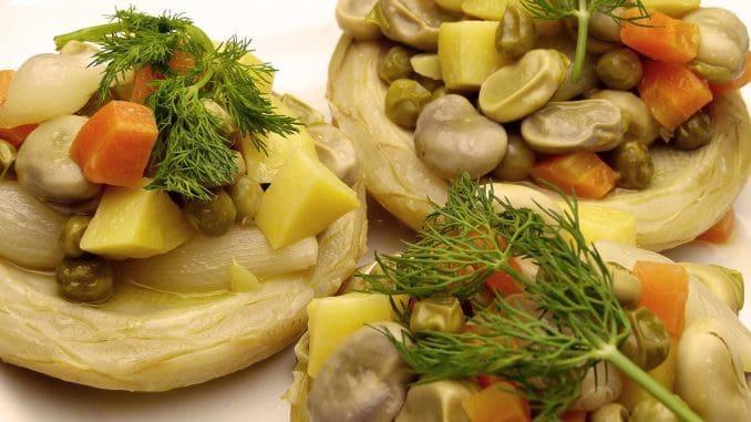 ממולאים מסוגים שונים, כמו למשל תחתיות ארטישוק ממולאות בקינואה, עדשים וירקות