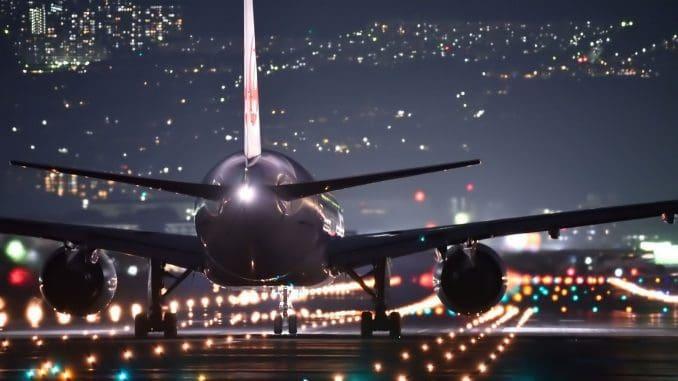 מובטח לכם חיסכון של עד כמה מאות דולרים לכרטיס ככל שתקדימו להזמין טיסה