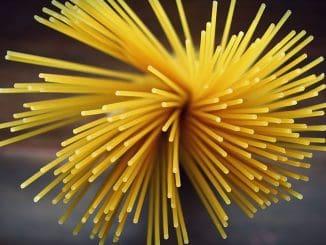 ישנן כ-200 צורות פסטה שונות, אך הצורה הנמכרת ביותר בכל העולם היא הספגטי