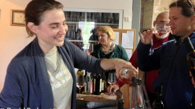 משך כל מפגש שעתיים וחצי-שלוש. במהלכו יוטעמו יינות ישראלים ומהעולם באיכות גבוהה, בליווי גבינות, לחמים וירקות