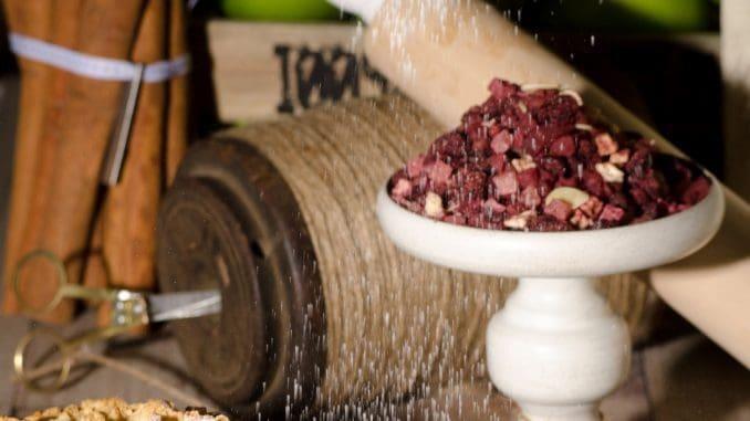 חליטת סיידר התפוחים מתאימה כתערובת לקינוחים וכן לשתייה כחליטה חמה או קרה ואף בשילוב אלכוהול