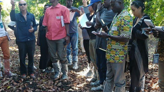 נציגים דוברי אנגלית וצרפתית מאוניברסיטאות, מכוני מחקר, משרדים ממשלתיים וארגוני מים אחרים