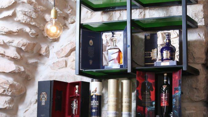 להפוך את החנות למרכז יין אמיתי שיתקיימו בו הרצאות, מפגשים וסדנאות
