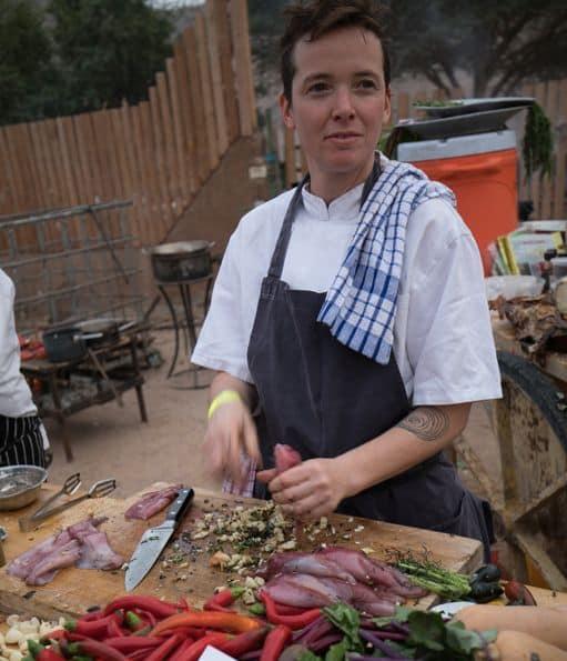 טליה הופמן אחראית על הפן העיצובי של הקרקס בנוסף להיותה טבחית. צילום אריה פרד