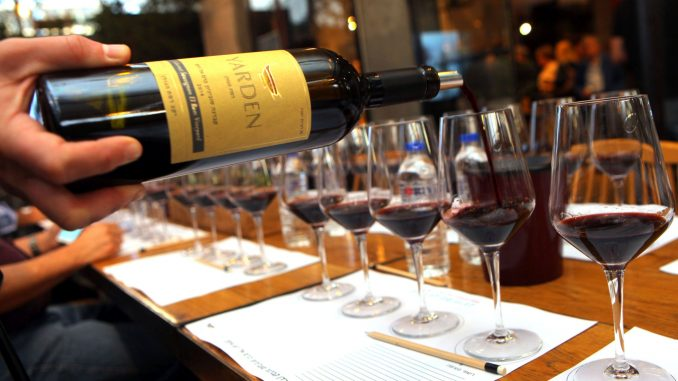 """עיתונות יין זה לא רק השקות, ביקורות יין, סיורי יקבים, והעלאת קומוניקטים ממשרדי יח""""צ. צילום דוד סילברמן dpsimages"""