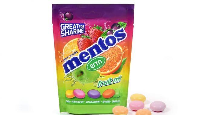 סוכריות מנטוס בטעמי פירות הנמכרות בשקית משפחתית המכילה כ-70 סוכריות לעיסה רכות
